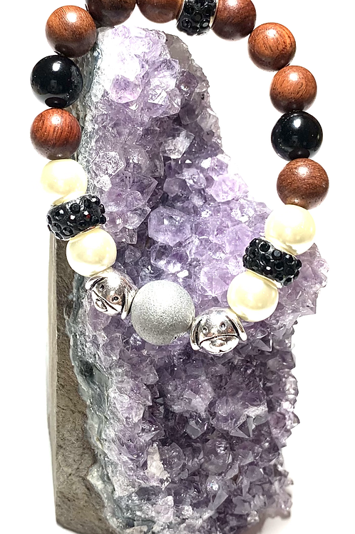 Stunning Druzy quartz stone with mixed beads and two metal puppy charms
