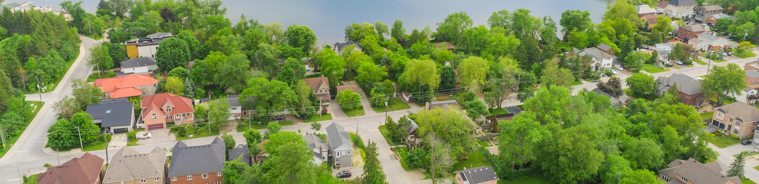 Lot Size Highlight In Neighborhood
