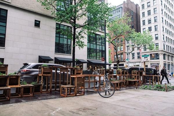outdoor diningg.jpg