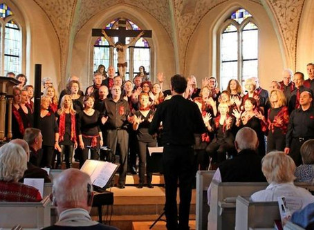 Choir under Fire singt für den Hospizdienst in St. Petri