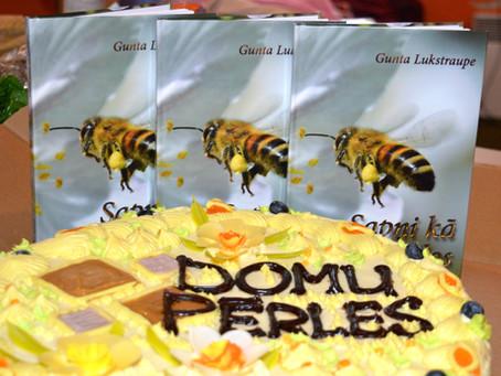 Sapņi kā bites ziedos