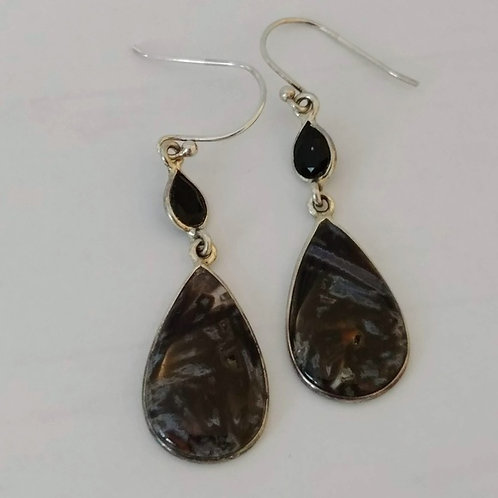 Tube Agate & Onyx Earrings