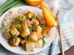Хрустящий тофу в имбирно-апельсиновой глазури
