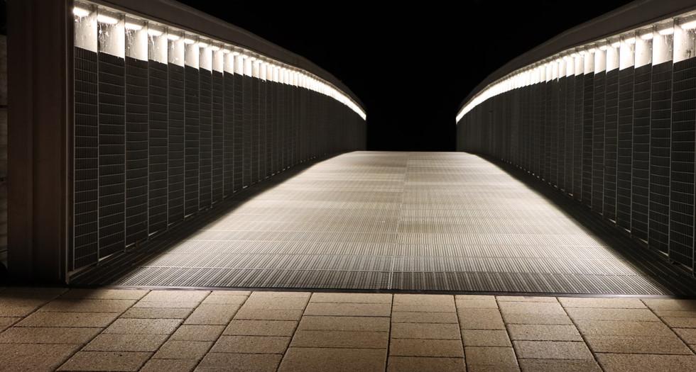 Fussgänger Brücke.jpg