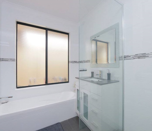 on the ball bathrooms perth - Bathroom Tiles Vertical Or Horizontal