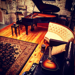Recording Studio - Lounge