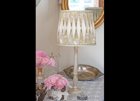 Lampe Cléophée et son abat-jour plissé bicolore