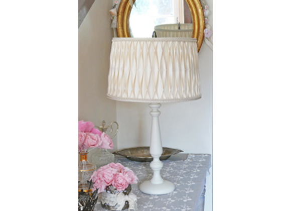 Lampe Léonie et son abat-jour plissé en soie