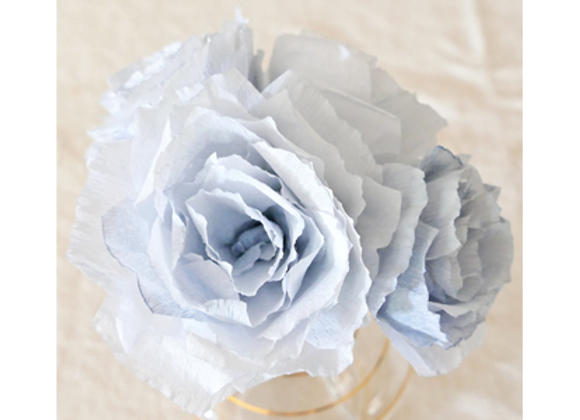 Rose en papier gris bleu gustavien