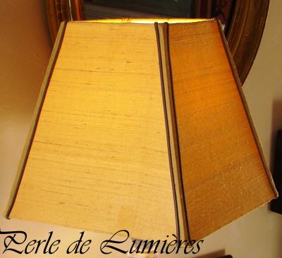 Abat-jour carré pyramide en soie