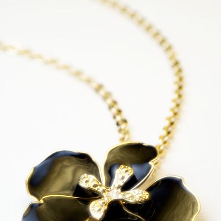 single flower necklace