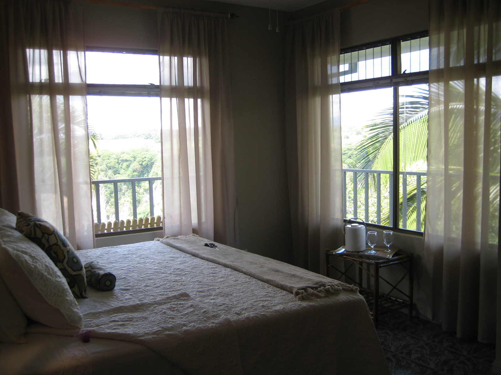 Room 7 view 3