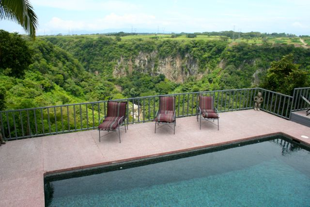 Pool and Canyonn view