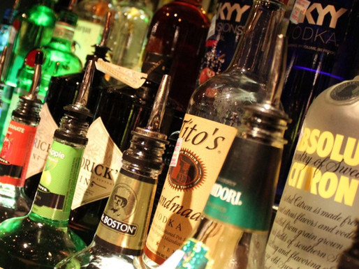 4 Essential 'Must-Haves' for your Home Bar Setup