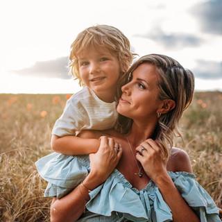 Victoria Lugton family photographer