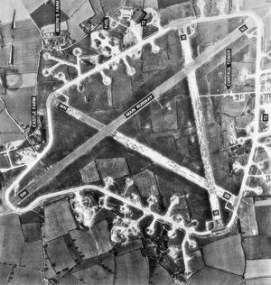 RattlesdenAirfield1945Original.png