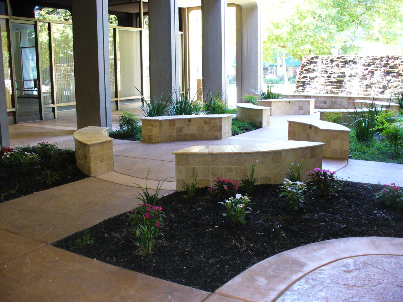 Pictures of courtyard.jpg