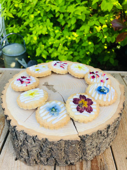 Pretty shortbread biscuits