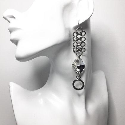 Irregular Swarovski Crystal on  ChainMail E27