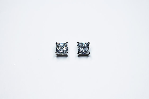 PRINCESS SLV CUT CZ PLAIN STUDS