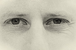 Eyes M