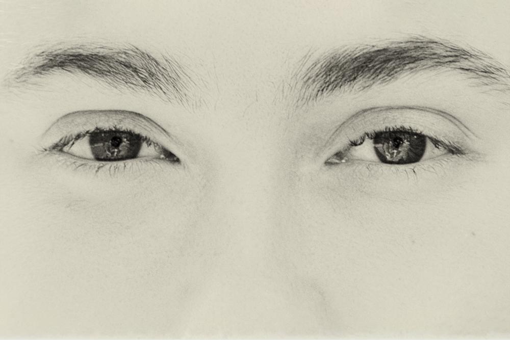 Eyes F