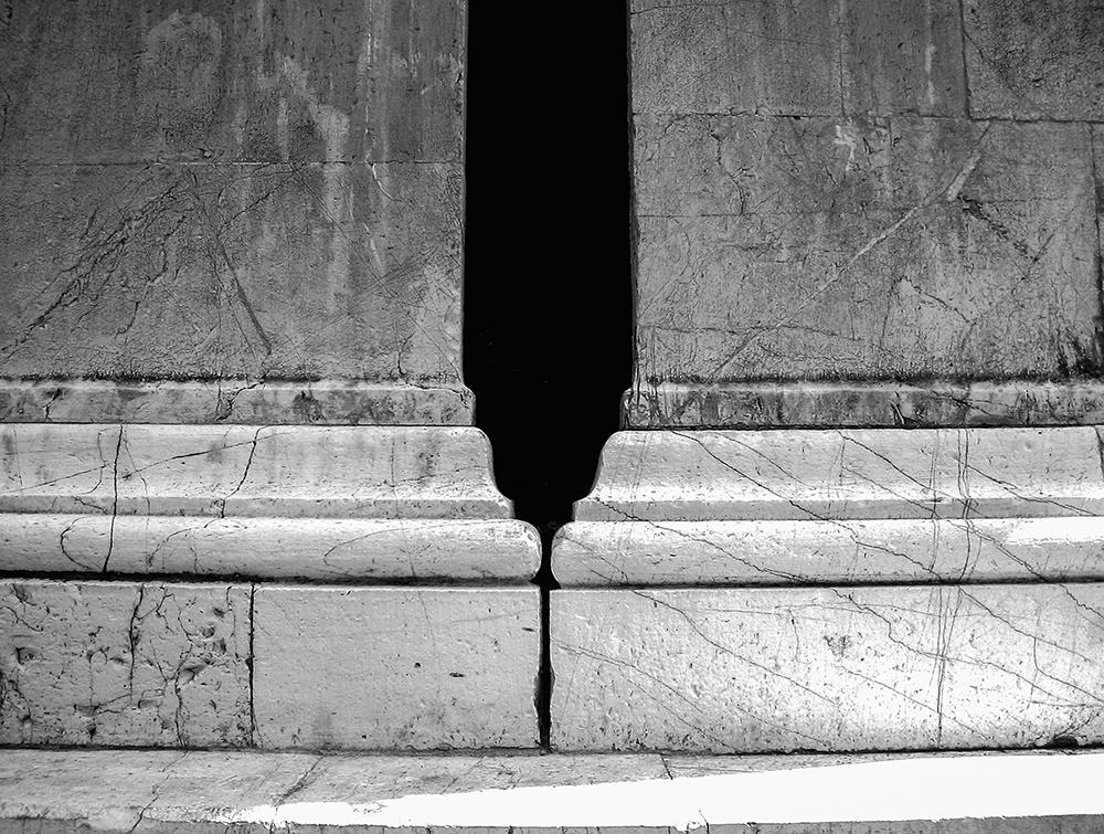 Columns, Prato