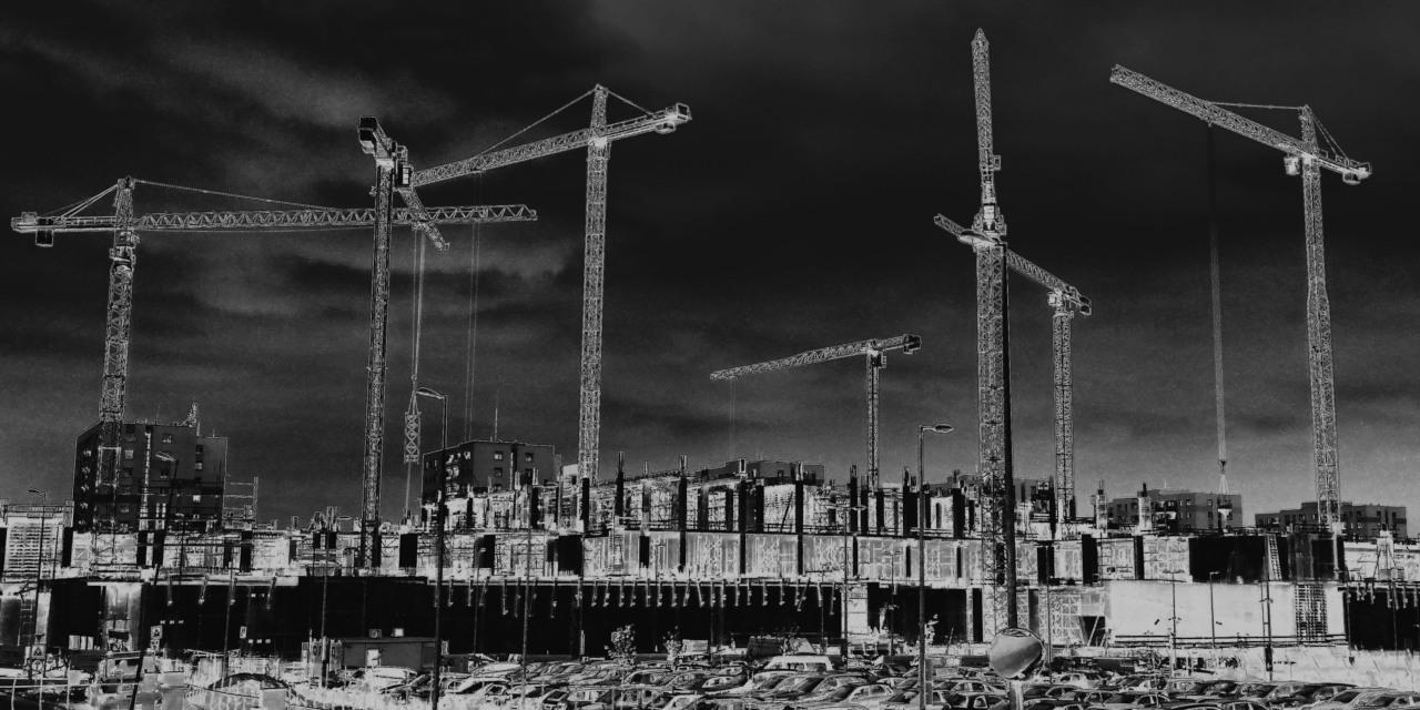 Large City Cranes
