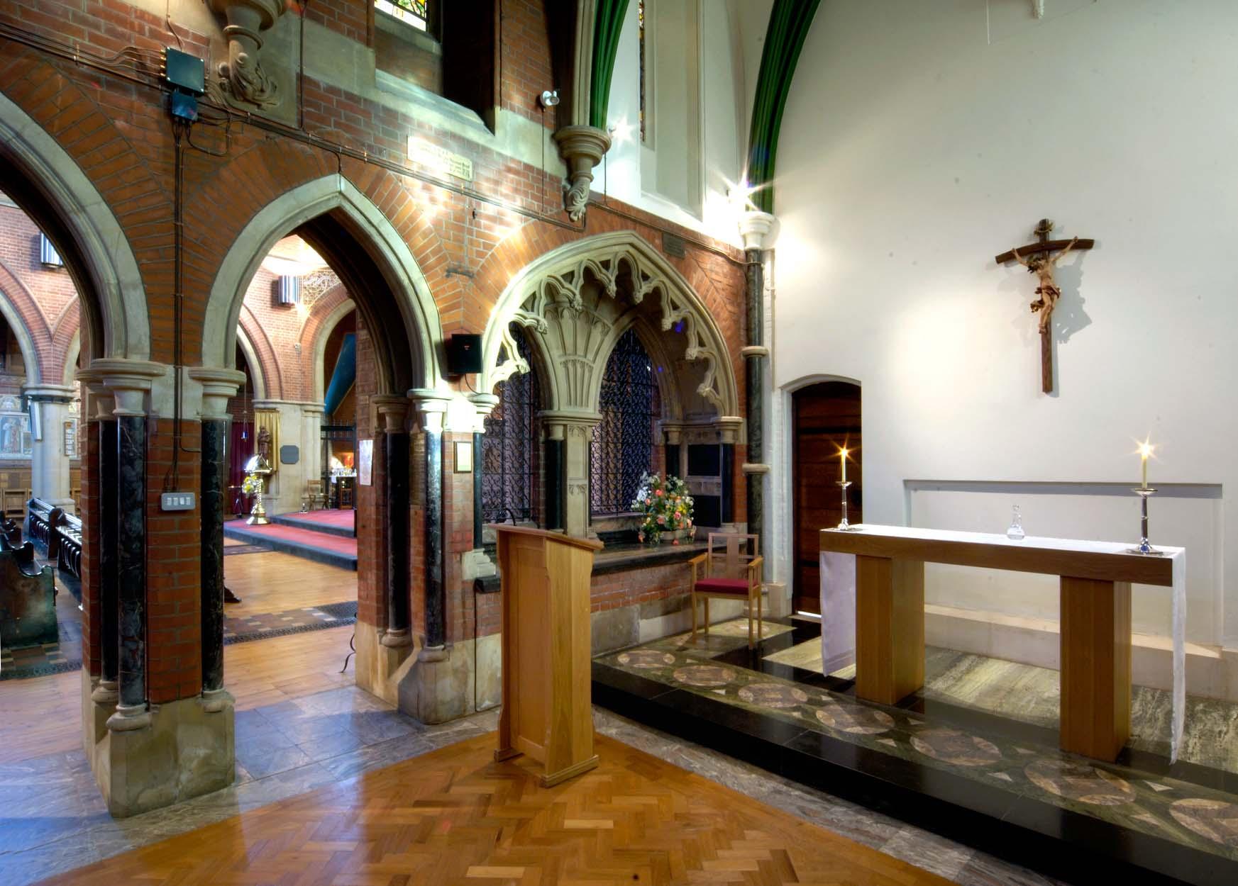 Blessed Sacrament chapel ©John Crook