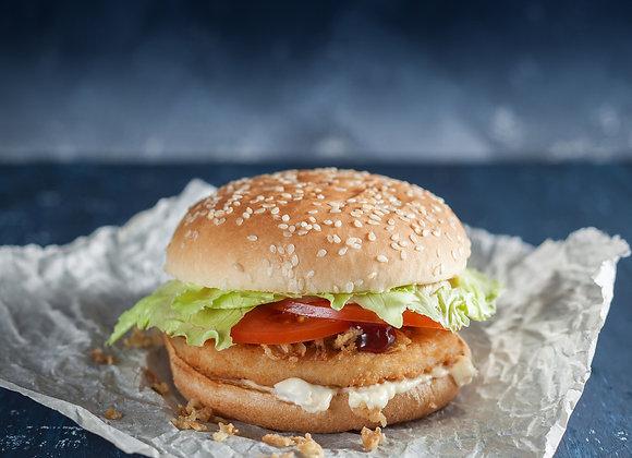 Бургер с куриной котлетой и сырным соусом