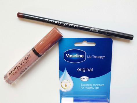 Nude lip & brown liner