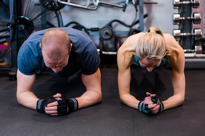 The Plank. Personal Trainer pose ideas.