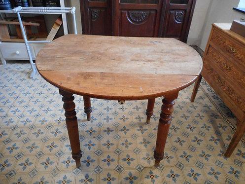 table ronde à rabats