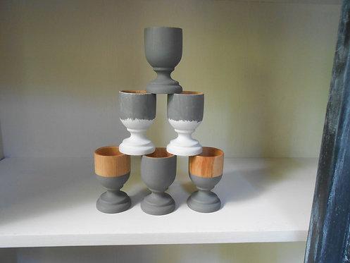 6 Coquetiers en bois peints à la main, eco design. Par 6