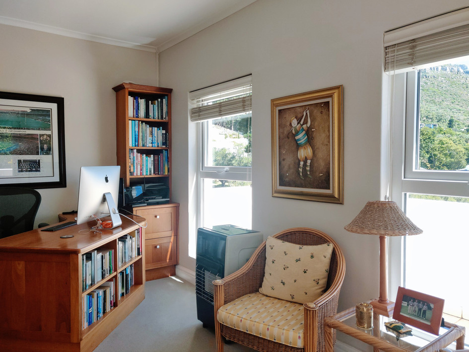 Home Office / 3rd Bedroom