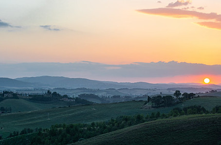 WHY TUSCANY IS THE ICONIC PLACE FOR CYCLING IN ITALY?