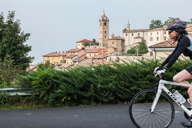 Leaving Monfort d'Alba.jpg