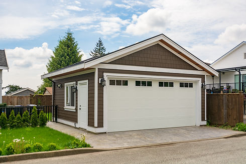 Detached garage of residential house wit