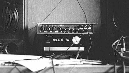 Η διεθνής αύρα του online radio