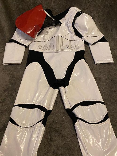 3-4 Storm trooper costume