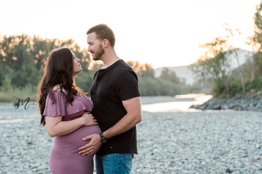 Maternity Photographer Chilliwack