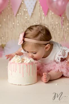 Cake Smash - Chilliwack and Abbotsford Photographer