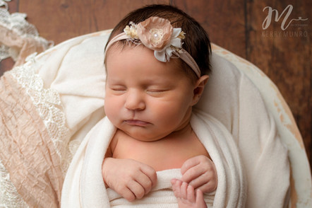 Newborn Session - Baby Girl