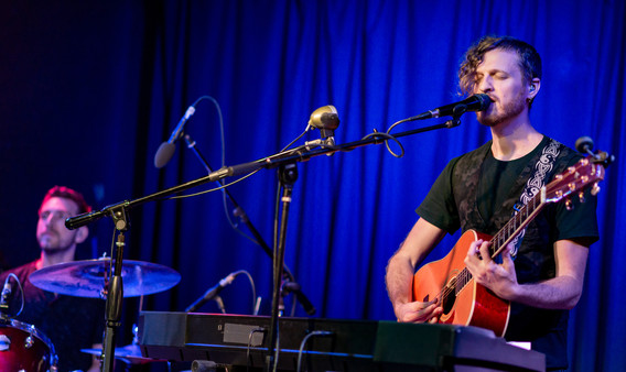 DF duo live at Molly Malone's
