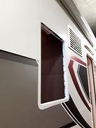 Wir wechseln oder montieren Fenster.
