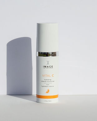 vital-c-intense-moisturizer-with-backgro