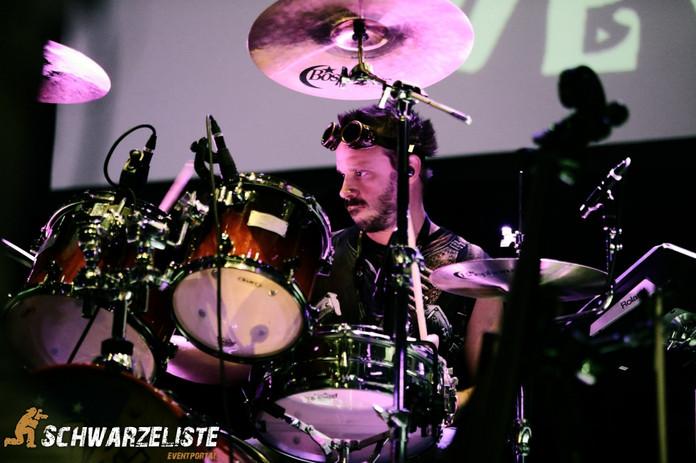 Sam White - Schwarzeliste