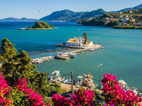 Greek Tourism Revenue falls by 76.5% in 2020