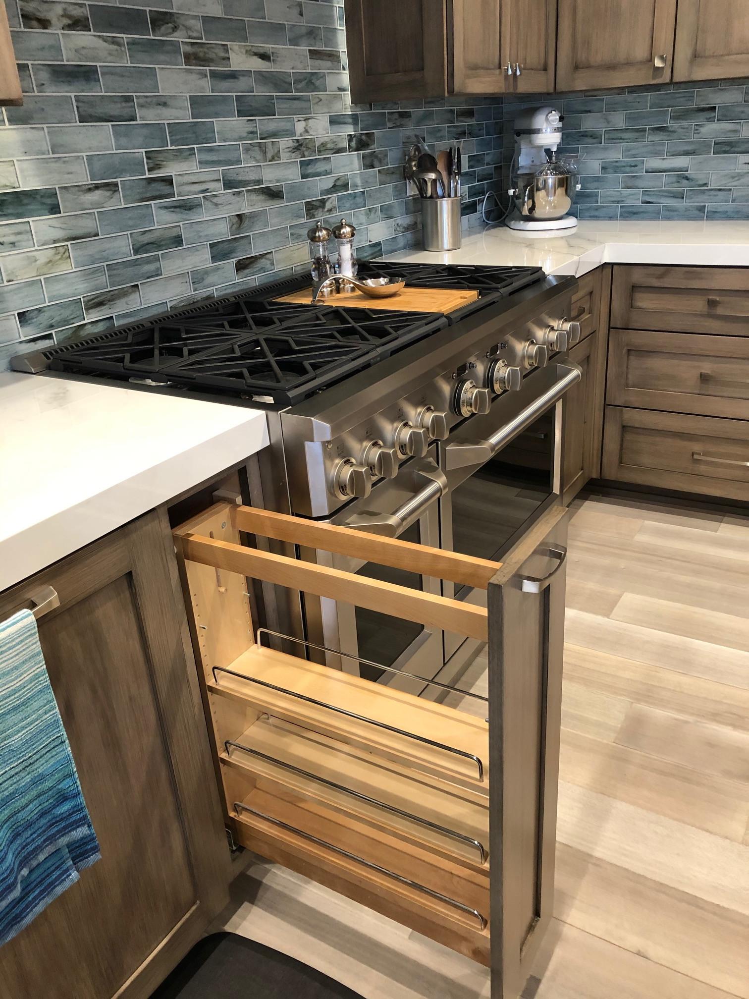 Kitchen sliding spice rack
