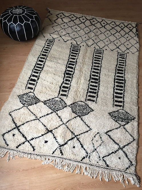 Two-Color Handwoven Azilal Rug, pure Wool (008AZ18)